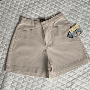 Lee khaki beige shorts size 8 - New with all tags